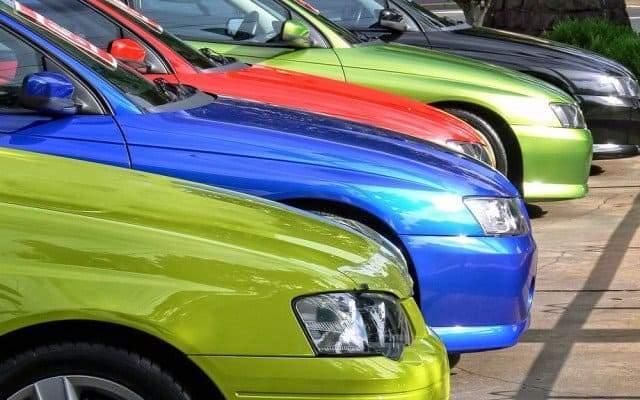 Самый популярный цвет автомобиля в России