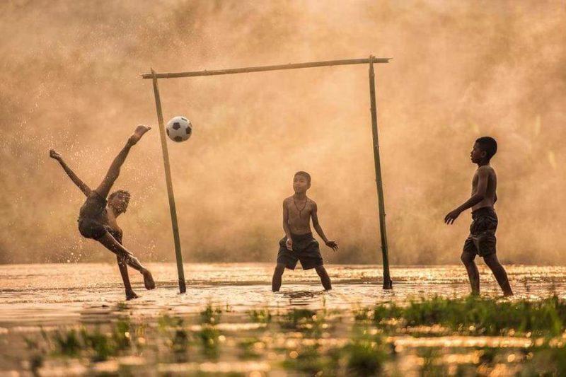 Азиатский футбол на рисовых плантациях