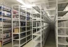 Металлические сборные стеллажи выручат и на складе, и в архиве!