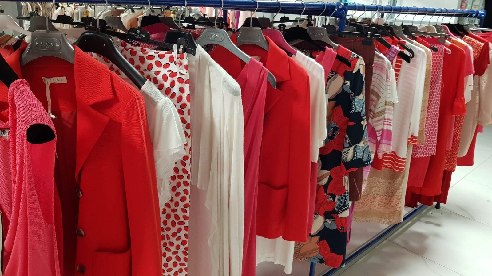 Покупка женской одежды оптом